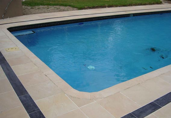 Beige Sandstone Pool Coping